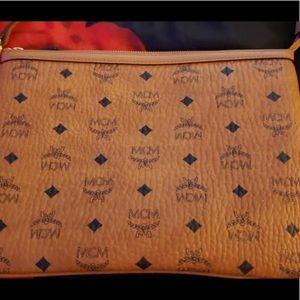McM cosmetics pouch (medium)